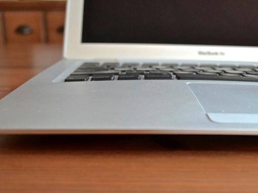 Tìm hiểu nguyên nhân và cách phòng tránh pin laptop phồng