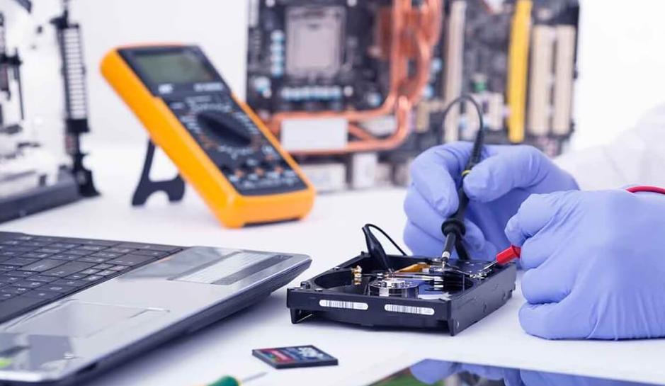 Thị trường sửa chữa laptop Hà Nội: Người dùng hoang mang!