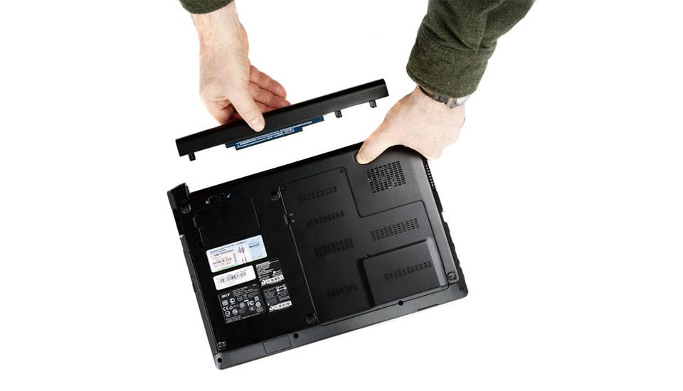 5 bước cần làm khi sạc laptop không vào điện