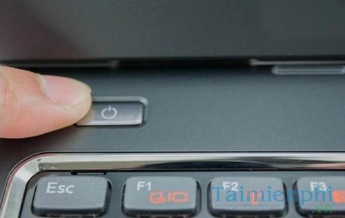 Phải xử lý thế nào khi Laptop để lâu bật không lên?