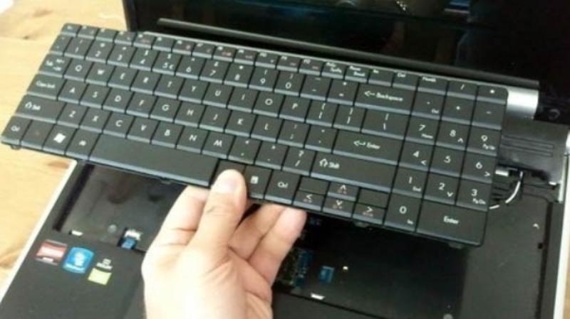 Làm gì khi laptop bị hỏng bàn phím